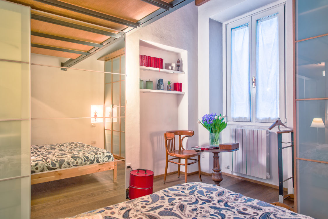 Camera da letto vista finestra